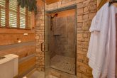 1 Bedroom cabin with a tiled-in stand-up shower