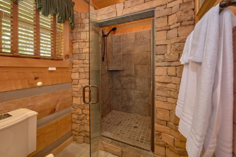 1 Bedroom cabin with private luxurious bathroom - Kicked Back Creekside