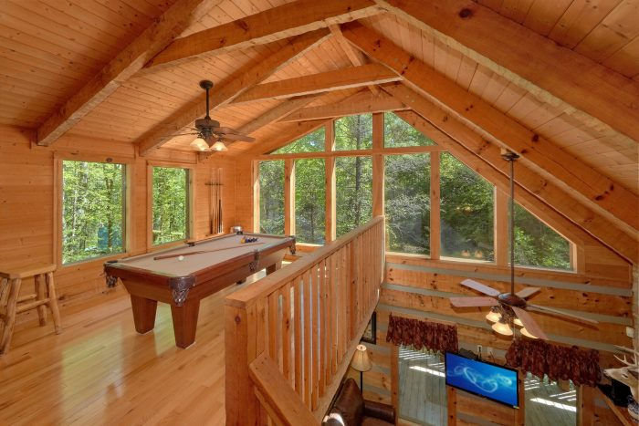 1 Bedroom cabin with a wrap-around covered deck - Kicked Back Creekside