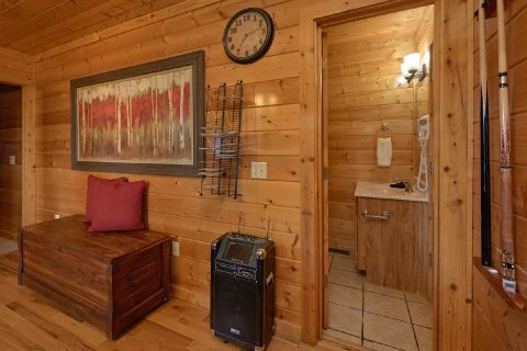 4 Bedroom Cabin with Jukebox and Karaoke - Knockin' On Heaven's Door