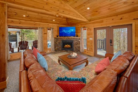 4 Bedroom Cabin Sleeps 8 Gatlinburg - La Dolce Vita