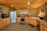 Beautiful 4 Bedroom Cabin Sleeps 8 Gatlinburg
