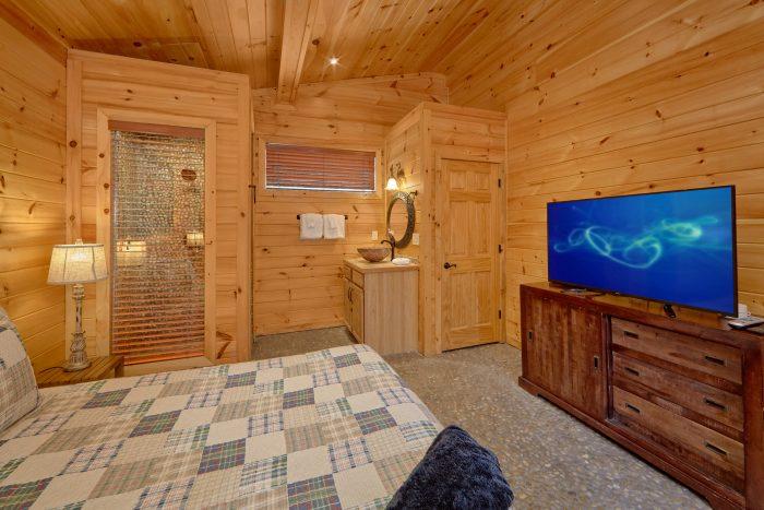 Master Suites all Flat Screen TV's - La Dolce Vita
