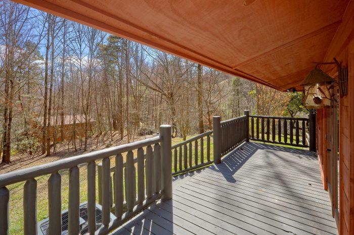 Covered Front Porch 4 Bedroom Cabin Sleeps 8 - La Dolce Vita
