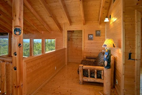 Cabin with King Bedroom and Loft Sitting Area - Lasting Impression