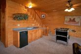 Cabin with Game Room, Kitchenette and Pool Table