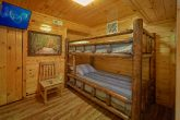 Luxury 4 Bedroom cabin with 2 Bunk Beds