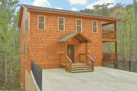 Luxurious cabin with private indoor pool - Laurel Splash
