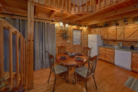 Close to Dollywood 2 Bedroom 2 Bath Cabin - Lazy View Lodge