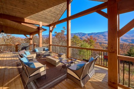 A Mountain Palace: 5 Bedroom Pigeon Forge Cabin Rental