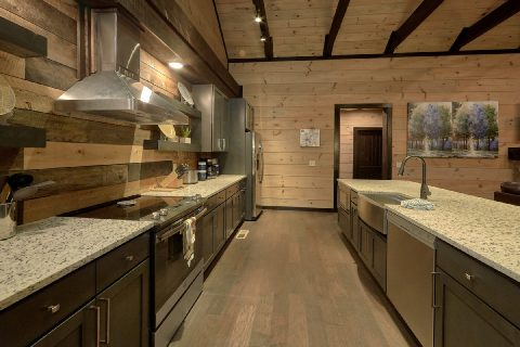 Luxurious 5 Bedroom Cabin in Cobbly Nob - LeConte Views