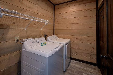 Full Size Washer and Dryer 5 Bedroom Cabin - LeConte Views