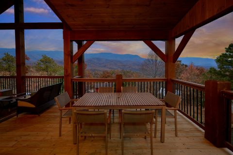 5 Bedroom 5 Bath 2 Story Cabin Sleeps 14 - LeConte Views