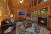 Beautiful 4 Bedroom Cabin Close to Pigeon Forge