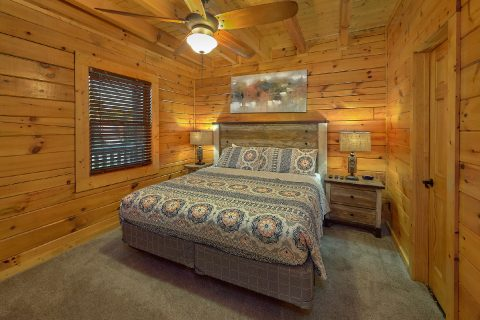King Bedroom with Flatscreen TV Sleeps 13 - LeConte Waters