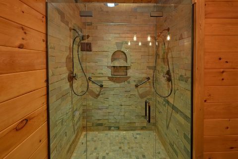 Large 4 Bedroom Cabin with Arcade Sleeps 13 - LeConte Waters