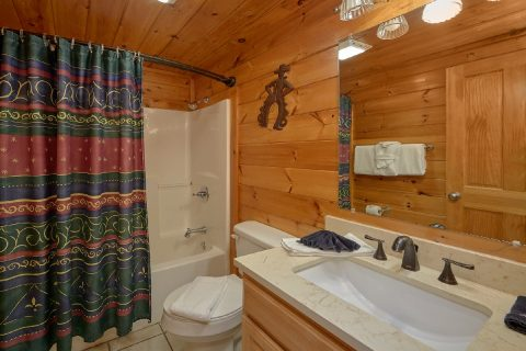 2 Bedroom 2 Bath Cabin Sleeps 6 - Lil Country Cabin