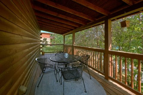 Large Deck with Table and Chairs - Lil Country Cabin