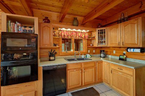 Sky Harbor 3 Bedroom Cabin Sleeps 10 - Livin' Lodge