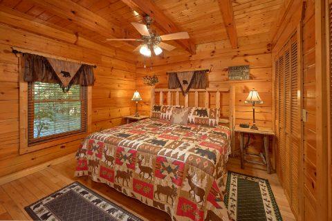 Main Floor Master Bedroom - Livin' Lodge