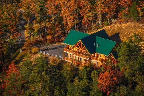 Beautiful 4 Bedroom Cabin with Mountain Views - Lodge Mahal
