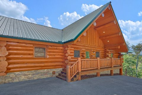 Luxurious Cabin Rental with Mountain Views - Lodge Mahal
