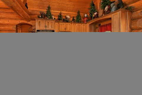 4 Bedroom Cabin with Full Kitchen & Counter Seat - Lodge Mahal