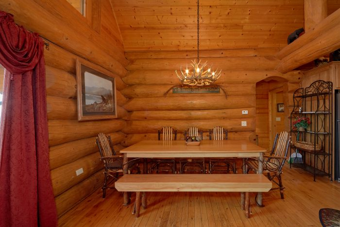 Cabin with King Master Suite & Private Fireplace - Lodge Mahal
