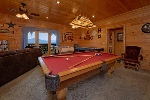 Luxury Cabin with Game Room and Pool Table - Lodge Mahal