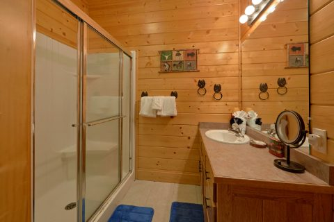 Secluded Luxury Cabin With 4 Master Suites - Lodge Mahal