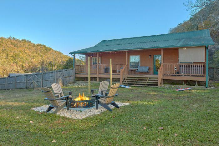LoneStar Cabin Rental Photo