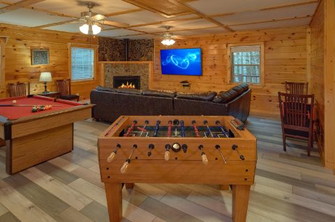 3 bedroom cabin with Pool Table and Foosball - LoneStar