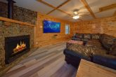 3 Bedroom cabin with Fireplace and Game Room