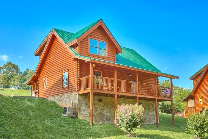 Pigeon forge family cabin blackberry ridge resort for Smoky mountain ridge cabins