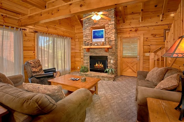 2 Bedroom Cabin with Furnished Living Room - Lookin Up
