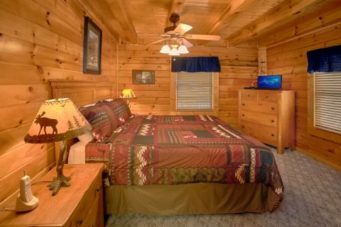 Wears Valley Cabin with 2 King Bedrooms - Lookin Up