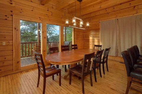 Beautiful 6 Bedroom Cabin - Lookout Lodge