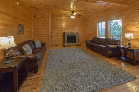 6 Bedroom 7.5 bath with Extra Seating Sleep 22 - Lookout Lodge