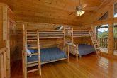 6 bedroom cabin sleeps 22 wih Bunk Beds