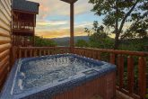 6 Bedroom Cabin with Hot Tub and Views
