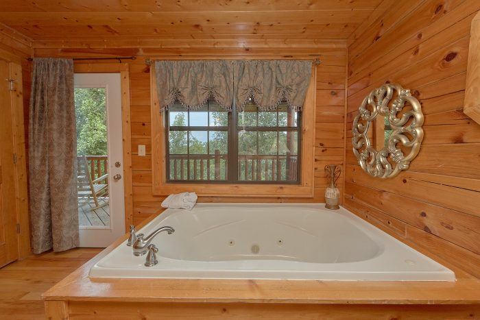 4 Bedroom cabin with Private Jacuzzi Tub - Lookout Point