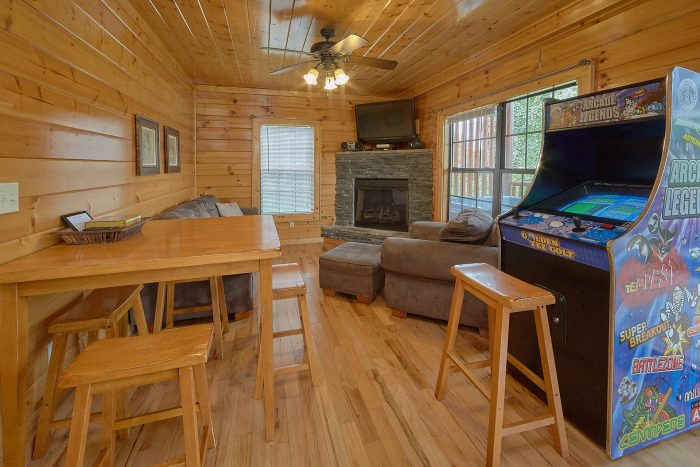 Cabin with 2 Arcades, Game Room and Fireplace - Lookout Point