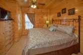 Cabin with 3 master bedrooms and 3 baths