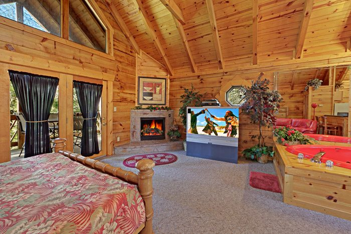 Cabin with a Fireplace - Lover's Lane