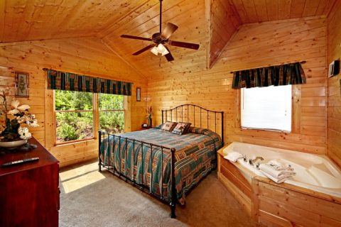 Cabin with Second King Suite - Lovers Paradise