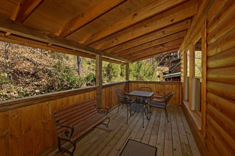 Cabin with Deck Bench - Lovers Paradise