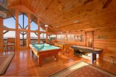 Cabin with Pool Table & Air Hockey Table