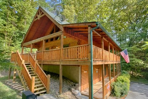 Featured Property Photo - Lucky Logs Lodge