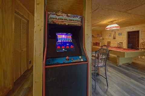 3 Bedroom with Arcade and Pool Table - Majestic Heights