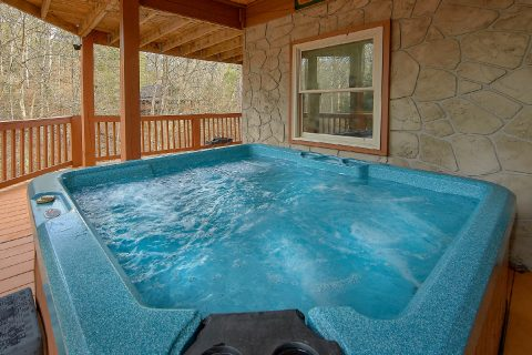 Private Hot Tub 3 Bedroom Sleeps 6 - Majestic Heights